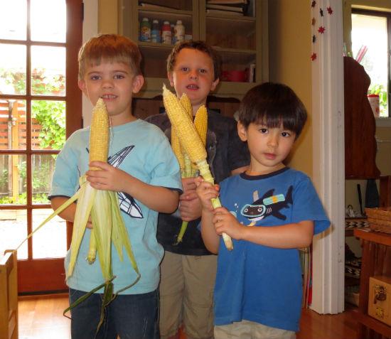 lffm-corn-husking-4
